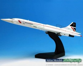 Concorde 100 Scale Wooden Model - Landor Classic Livery