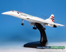 Concorde 100 Scale Wooden Model - Nose Down